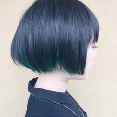 インナーカラー モード ショート ブリーチ ヘアスタイルや髪型の写真・画像