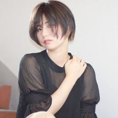 小顔 冬 秋 透明感 ヘアスタイルや髪型の写真・画像