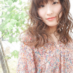 波ウェーブ 外国人風 アンニュイ フェミニン ヘアスタイルや髪型の写真・画像