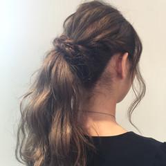 アンニュイ リラックス ウェーブ デート ヘアスタイルや髪型の写真・画像
