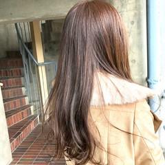 ロング ストレート ミルクティー ベージュ ヘアスタイルや髪型の写真・画像