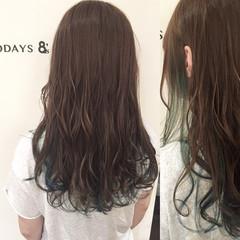 グリーン ストリート インナーカラー セミロング ヘアスタイルや髪型の写真・画像