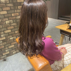 セミロング イルミナカラー 艶髪 ピンクアッシュ ヘアスタイルや髪型の写真・画像