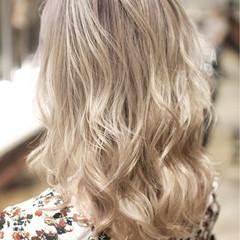 外国人風カラー ハイトーン ガーリー ダブルカラー ヘアスタイルや髪型の写真・画像