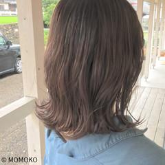 ミルクティーベージュ ミディアム デート グレージュ ヘアスタイルや髪型の写真・画像