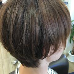ナチュラル ショート ショートボブ イルミナカラー ヘアスタイルや髪型の写真・画像