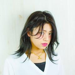 暗髪 モード セミロング グレージュ ヘアスタイルや髪型の写真・画像