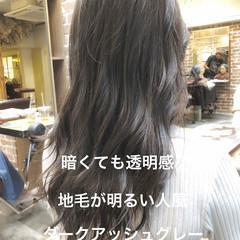 アッシュグレージュ パーマ デジタルパーマ ナチュラル ヘアスタイルや髪型の写真・画像