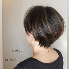 ショートヘア ナチュラル ショートボブ ベリーショート ヘアスタイルや髪型の写真・画像