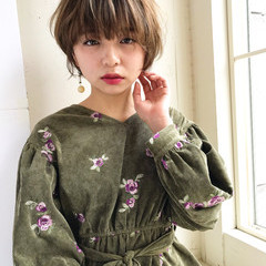 バレンタイン ショート アウトドア フェミニン ヘアスタイルや髪型の写真・画像