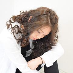暗髪 アッシュ モード カール ヘアスタイルや髪型の写真・画像