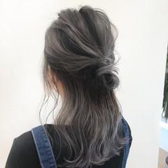 簡単ヘアアレンジ バレイヤージュ ミディアム ガーリー ヘアスタイルや髪型の写真・画像