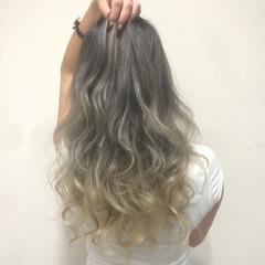 グラデーションカラー 艶髪 渋谷系 ハイトーン ヘアスタイルや髪型の写真・画像