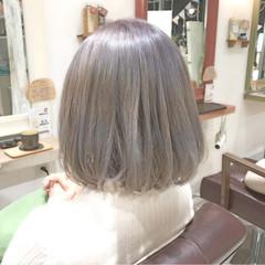 ボブ ハイトーン アッシュ ホワイトアッシュ ヘアスタイルや髪型の写真・画像