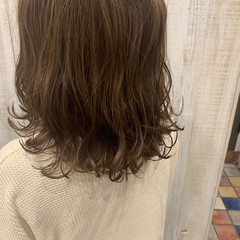 ベージュ アッシュベージュ なみウェーブ ミルクティーベージュ ヘアスタイルや髪型の写真・画像
