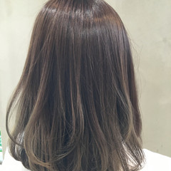 ブラウン 外国人風 グラデーションカラー ミディアム ヘアスタイルや髪型の写真・画像
