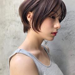 前髪あり ストレート ミディアムレイヤー デート ヘアスタイルや髪型の写真・画像