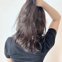 グレージュ 3Dハイライト ガーリー ミディアム ヘアスタイルや髪型の写真・画像