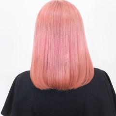 ミディアム ブリーチカラー ピンク ピンクカラー ヘアスタイルや髪型の写真・画像