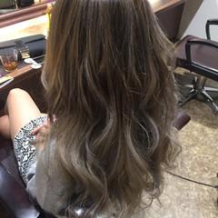 外国人風カラー ハイライト グラデーションカラー バレイヤージュ ヘアスタイルや髪型の写真・画像