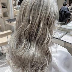 ストリート バレイヤージュ ホワイトカラー セミロング ヘアスタイルや髪型の写真・画像