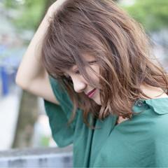 秋 ゆるふわ 透明感 アッシュベージュ ヘアスタイルや髪型の写真・画像