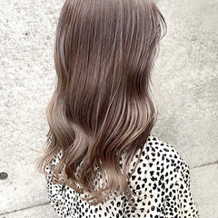 シアーベージュ 大人可愛い ロング ベージュ ヘアスタイルや髪型の写真・画像