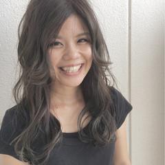 秋 大人かわいい ロング 透明感 ヘアスタイルや髪型の写真・画像