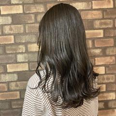 イルミナカラー セミロング スロウ ブリーチ必須 ヘアスタイルや髪型の写真・画像