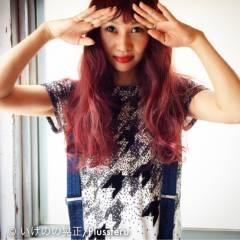 ストリート パーマ ピンク レッド ヘアスタイルや髪型の写真・画像