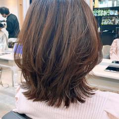 レイヤースタイル ミディアムレイヤー ウルフカット レイヤーカット ヘアスタイルや髪型の写真・画像