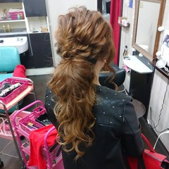 ヘアアレンジ ガーリー ふわふわヘアアレンジ 簡単ヘアアレンジ ヘアスタイルや髪型の写真・画像