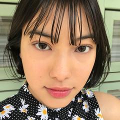 フェミニン 黒髪 艶髪 シースルーバング ヘアスタイルや髪型の写真・画像