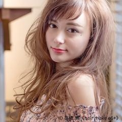 アッシュ ロング グレージュ フェミニン ヘアスタイルや髪型の写真・画像