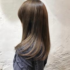 外国人風カラー アッシュベージュ ハイライト ベージュ ヘアスタイルや髪型の写真・画像