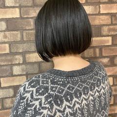 ナチュラル スロウ ブルーブラック 透明感 ヘアスタイルや髪型の写真・画像