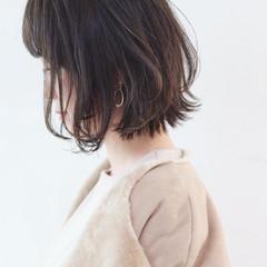 グレージュ ストリート 外国人風カラー レイヤーボブ ヘアスタイルや髪型の写真・画像