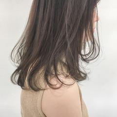 デート ナチュラル 大人女子 グレージュ ヘアスタイルや髪型の写真・画像