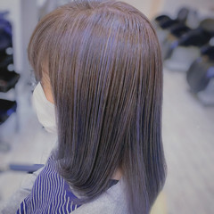 ナチュラル ミディアム インナーカラー コントラストハイライト ヘアスタイルや髪型の写真・画像