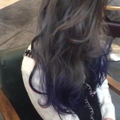ブルー インナーカラー ブルージュ ミルクティー ヘアスタイルや髪型の写真・画像