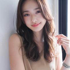 ロングヘアスタイル デジタルパーマ 似合わせカット レイヤーロングヘア ヘアスタイルや髪型の写真・画像