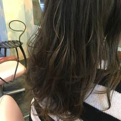 セミロング ブルージュ ハイライト 透明感 ヘアスタイルや髪型の写真・画像