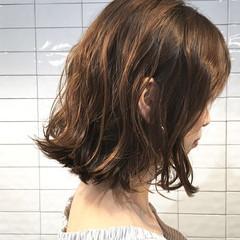 外国人風 アッシュ 切りっぱなし ボブ ヘアスタイルや髪型の写真・画像