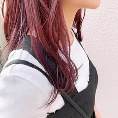 インナーカラー ガーリー ピンクパープル インナーカラーパープル ヘアスタイルや髪型の写真・画像