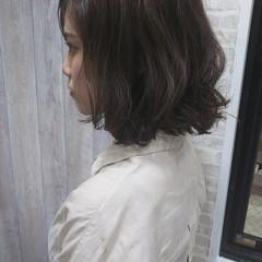 かき上げ前髪 夏 ボブ ダブルカラー ヘアスタイルや髪型の写真・画像