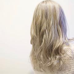 ロング ホワイト ブリーチ ガーリー ヘアスタイルや髪型の写真・画像