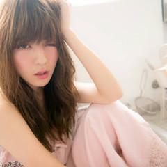 ウェーブ ピンク セミロング ガーリー ヘアスタイルや髪型の写真・画像