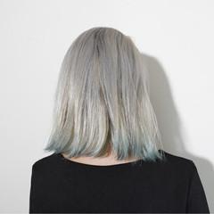 シルバーアッシュ ストリート ホワイト グレージュ ヘアスタイルや髪型の写真・画像