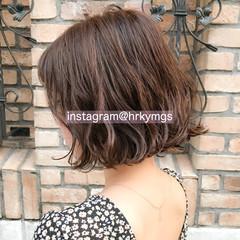 インナーカラー 切りっぱなしボブ コンサバ ショートヘア ヘアスタイルや髪型の写真・画像