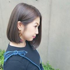グレージュ イルミナカラー ナチュラル アッシュグレージュ ヘアスタイルや髪型の写真・画像